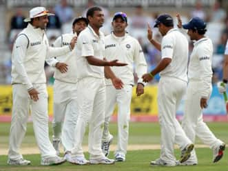 Media lambast Indian team for huge defeat at Trent Bridge