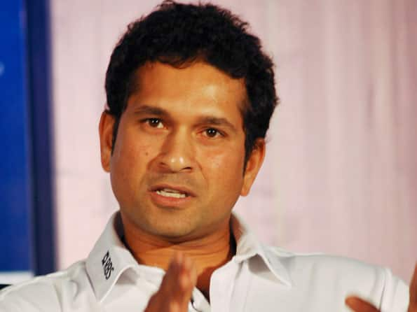 Sachin Tendulkar unveils wall painting by children at Mumbai police stations