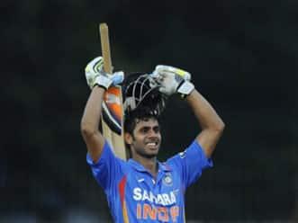 Manoj Tiwary maiden ton helps India to 267