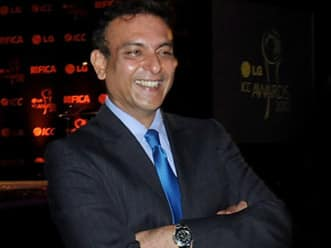 Humour: What transpired when Ravi Shastri was trapped in an elevator