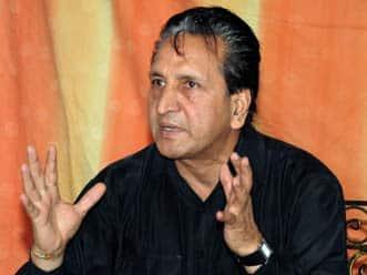 Intikhab Alam to convince Adbul Qadir on accepting coaching contract