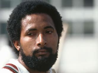 Current fast bowlers do not bowl half the overs I use to bowl: Andy Roberts