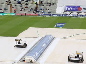 Rain delays start of England-South Africa second T20 at Old Trafford
