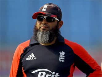 Pakistan may not appoint Mushtaq Ahmed as bowling coach