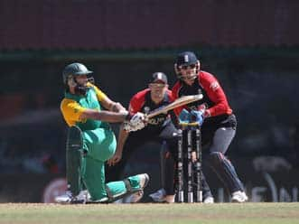 Hashim Amla's century powers South Africa to 287
