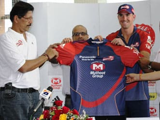 Kevin Pietersen unveiled as Delhi Daredevils player ahead of IPL 5