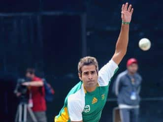 Preview: Imran Tahir could trouble beleaguered England