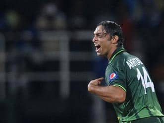 Shoaib Akhtar admits he is too old to bowl fast