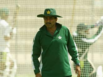 Javed Miandad censures PCB's decision making