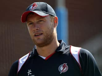 Andrew Flintoff turns to professional boxing