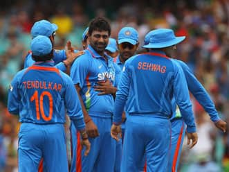 Disciplined India restrict Australia to modest score at SCG