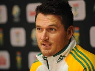 Graeme Smith rubbishes reports of quitting