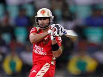 Bangalore win toss, opt to bowl against Rajasthan