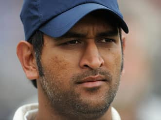 Dhoni's brother lends support to Anna Hazare