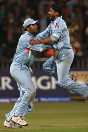 ICC World T20: India beat Pakistan in a thrilling bowl-out