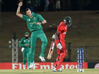 ICC T20 World Cup 2012: Zimbabwe crawl to 93 against South Africa