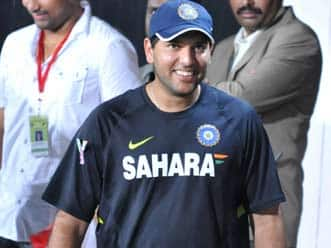 Yuvraj Singh charms his fans on comeback in second T20 match