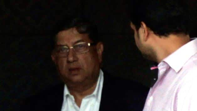 N Srinivasan asked to 'stay away' till spot-fixing investigation is over: Rajeev Shukla