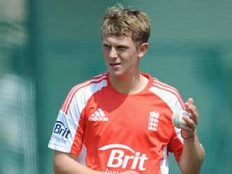 Borthwick, Patel give spin bowling tips to young cricketers