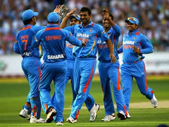 India restrict Australia to 131 in second T20 at MCG