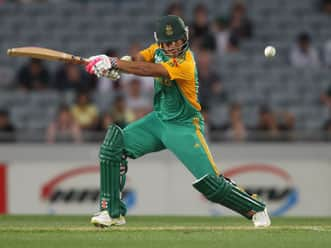 South Africa set 166-run target against New Zealand in third T20