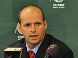 Australia lock horns with old rivals South Africa