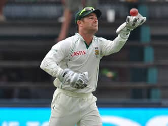 Mark Boucher becomes first 'keeper to take 500 catches in Tests