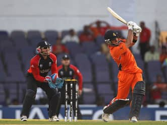 Ten out of ten for Doeschate; makes a case for minnows in World Cup