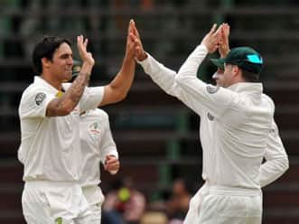 Australia claws back in second Test as SA lose four in first session