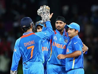 ICC World T20 2012: Indian cricketers enjoy leisure time after crushing win over England