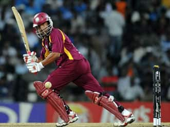 West Indies recall Sarwan for remaining ODIs