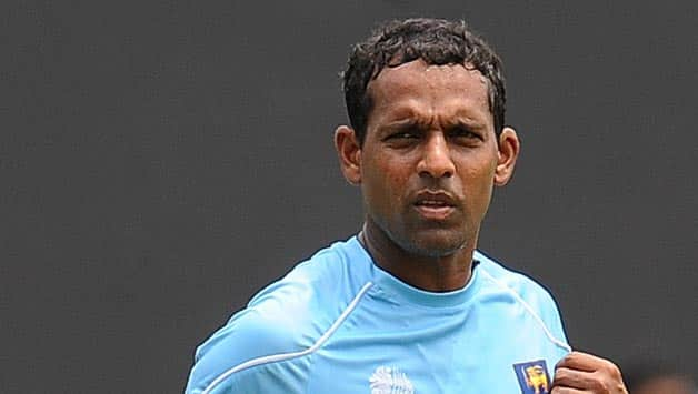 Thilan Samaraweera gets out stumped in unusual manner