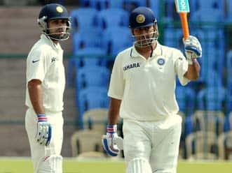 Kohli-Dhoni partnership has made the Bangalore Test very exciting
