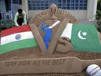 India and Pakistan cricket fans unite to skip work