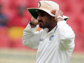 Mishra should be included in place of Harbhajan for second Test: Akram