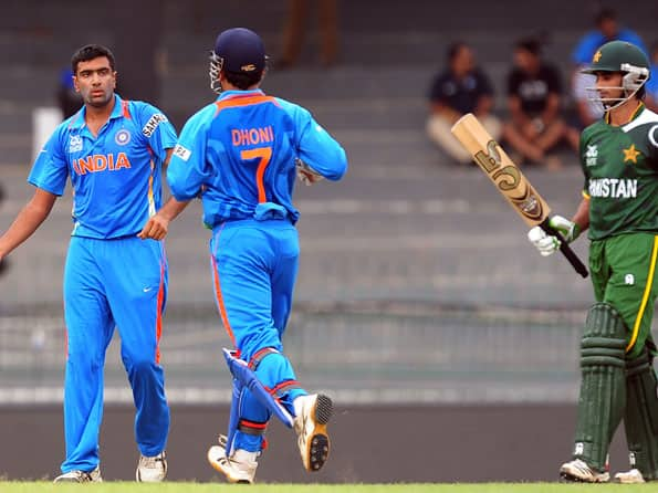 ICC World T20 2012: India in control after Pakistan lose quick wickets in warm-up match