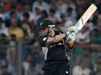 Kochi settle for 161 after blazing start