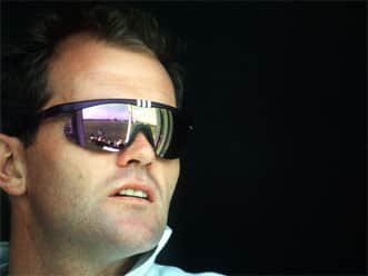 Martin Crowe returns to first-class cricket