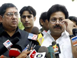 BCCI-Sahara to meet on Sunday to break stalemate