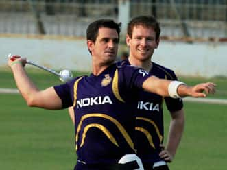 IPL 2012: KKR's Ryan ten Doeschate takes a dig at CSK skipper MS Dhoni