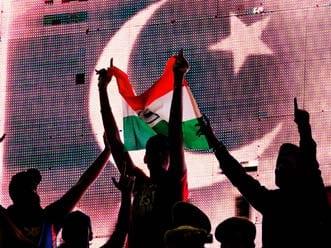 Sania backs resumption of Indo-Pak cricket ties