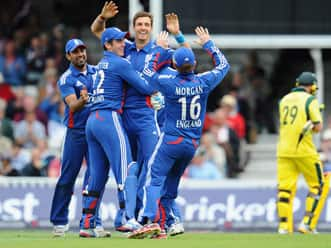 England win toss, elect to bowl in fourth ODI