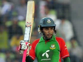 Rahim, Hossain half-centuries lift Bangladesh to 220