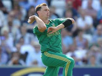 AB de Villiers lauds South Africa bowlers after win against England