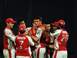 Parvinder Awana to play for Kings XI Punjab in IPL 5