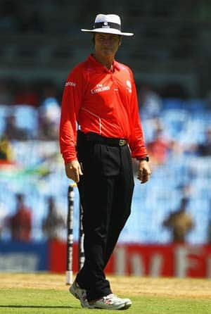 BCCI to discuss Taufel's proposal to improve umpiring in India