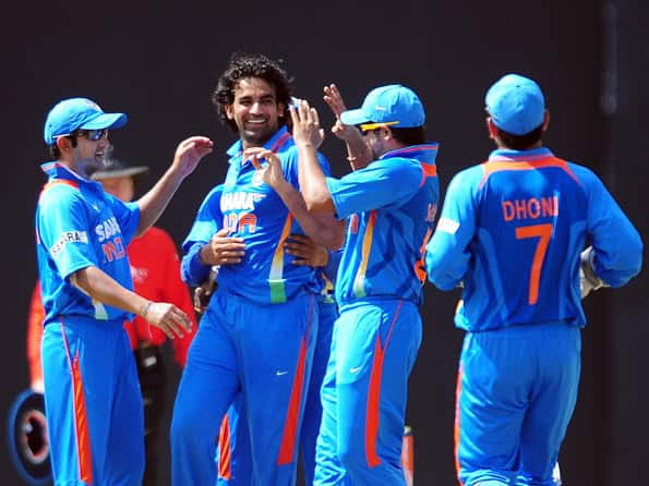 Live Cricket Score: Sri Lanka vs India - 4th ODI at Colombo