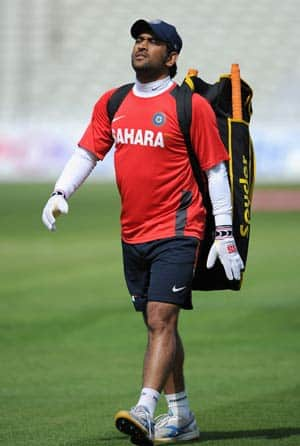 Dhoni has only three worries: His batting, his 'keeping & his captaincy