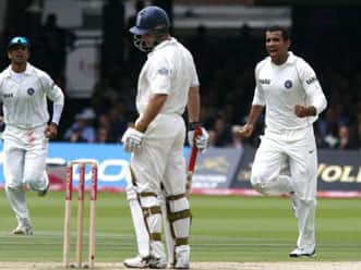 Will Andrew Strauss overcome his worries against Zaheer Khan?