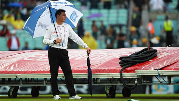 Ashes 2013, 5th Test, Day 2: First session washed out due to rain